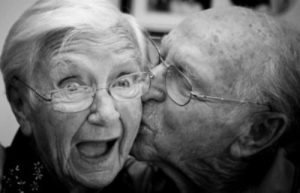 old-couple-adorable-close-up